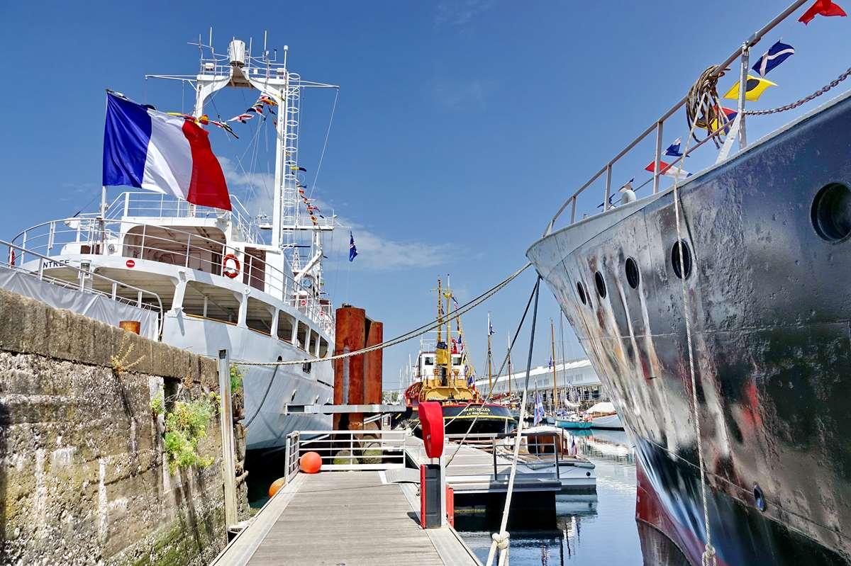 [Vie des Ports ] Port de La Rochelle  - Page 8 Dsc10524