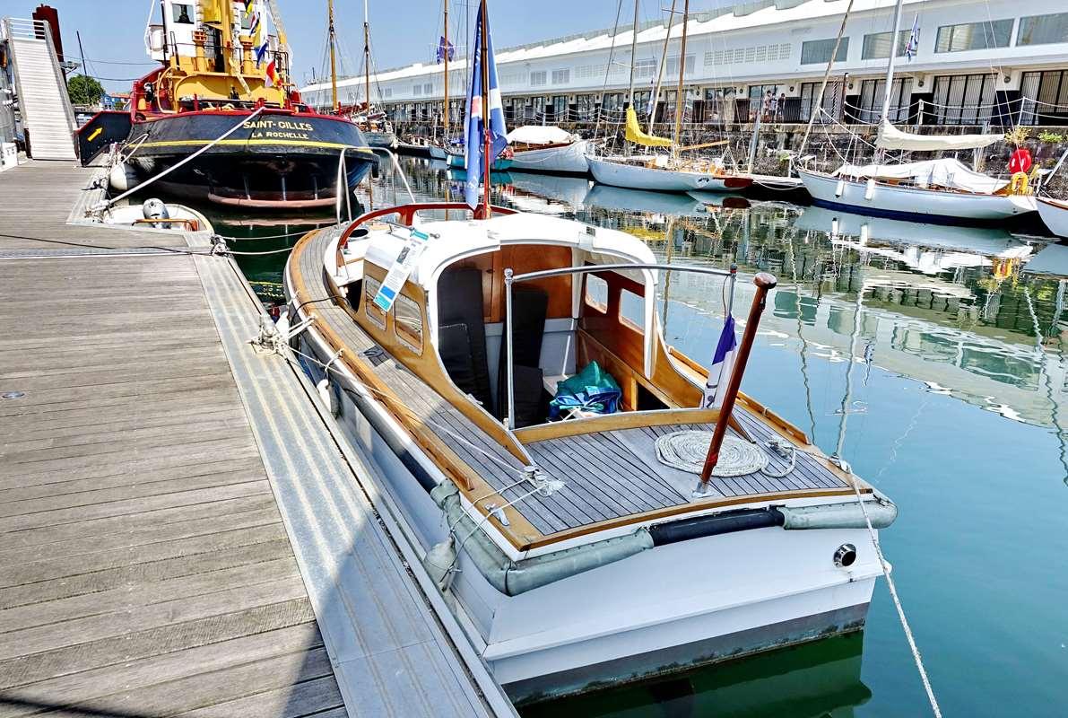 [Vie des Ports ] Port de La Rochelle  - Page 8 Dsc10527
