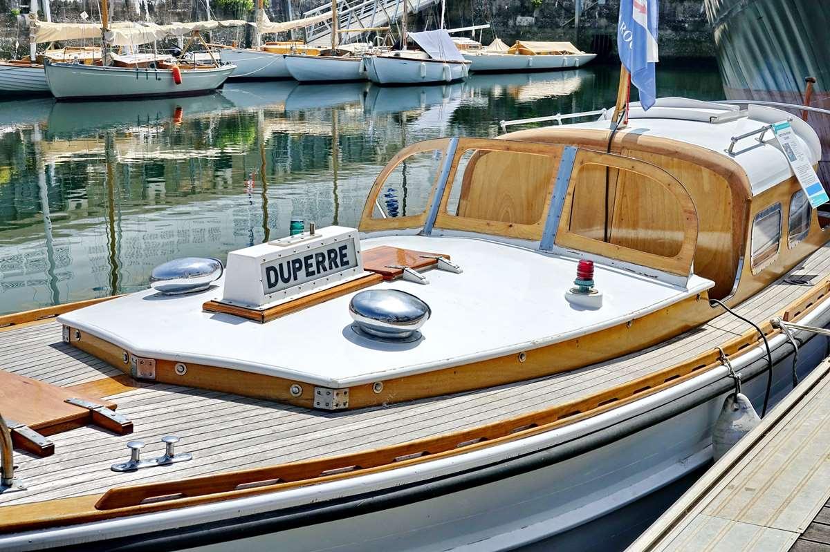[Vie des Ports ] Port de La Rochelle  - Page 8 Dsc10543