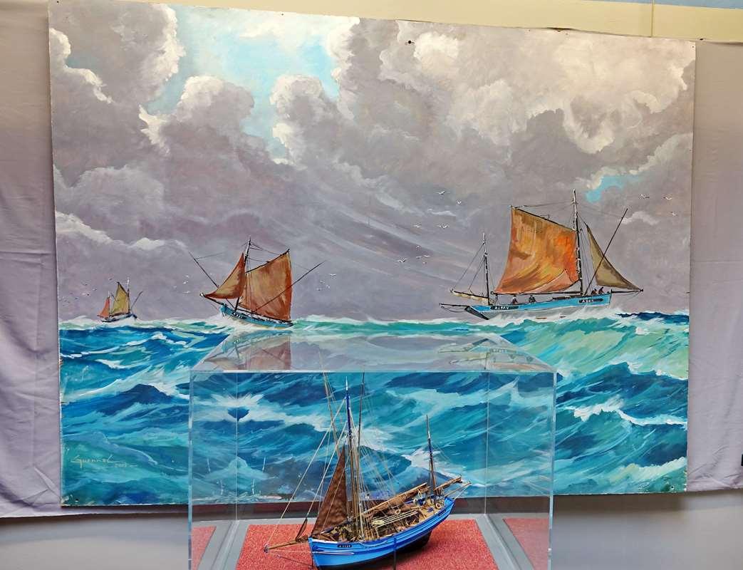 [Vie des ports] Etel d'aujourd'hui et son histoire de la pêche au thon - Page 4 Dsc10563