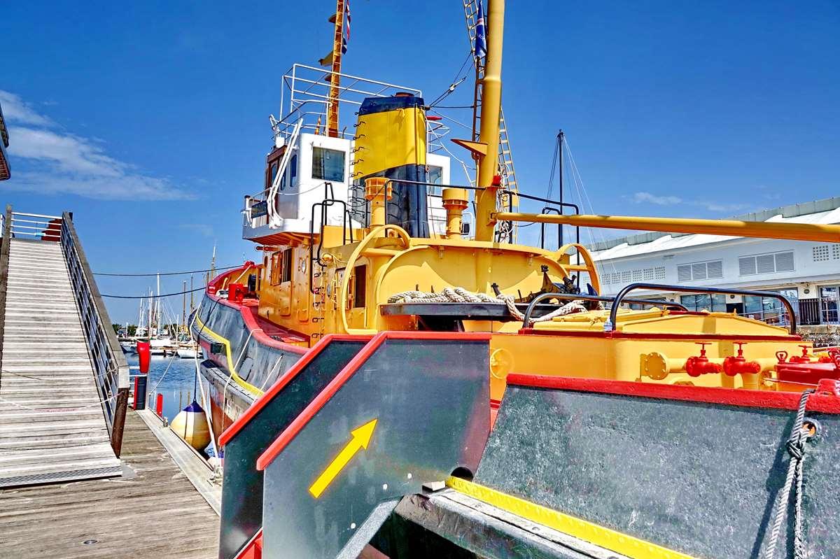 [Vie des Ports ] Port de La Rochelle  - Page 8 Dsc10680