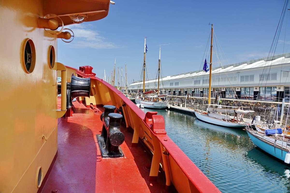 [Vie des Ports ] Port de La Rochelle  - Page 8 Dsc10700