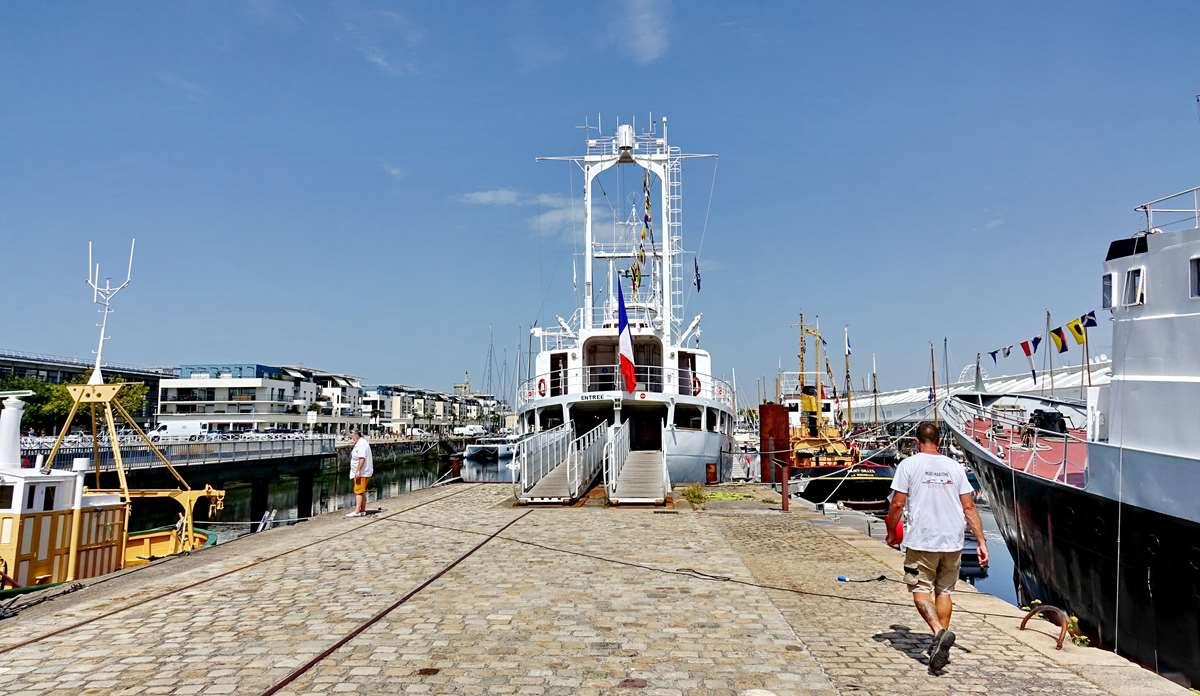 [Vie des Ports ] Port de La Rochelle  - Page 8 Dsc10729