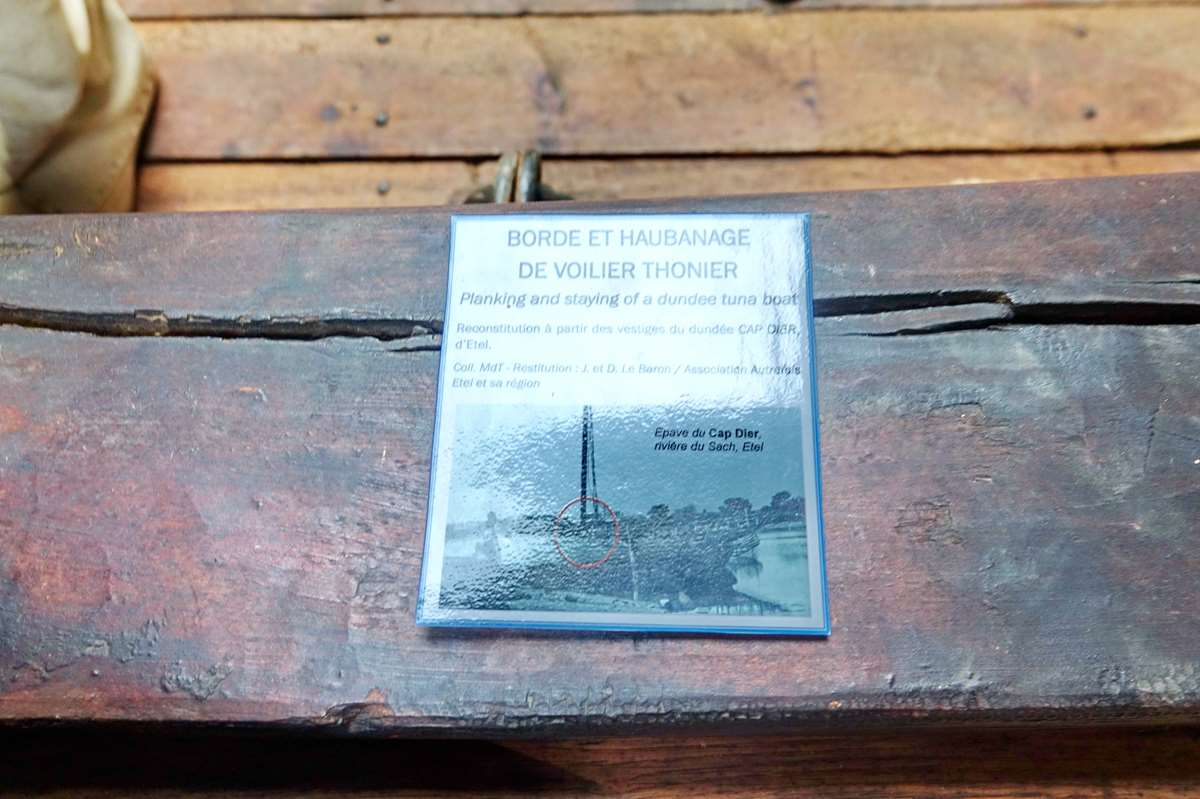 [Vie des ports] Etel d'aujourd'hui et son histoire de la pêche au thon - Page 4 Dsc10896