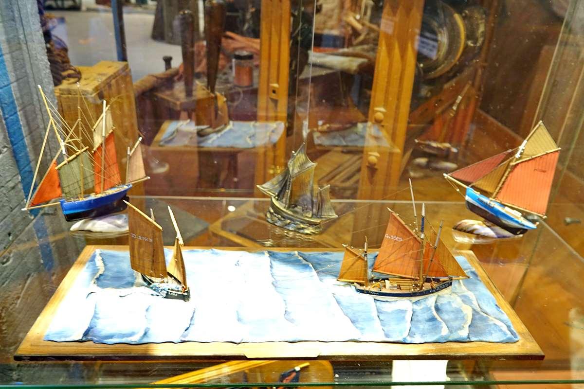 [Vie des ports] Etel d'aujourd'hui et son histoire de la pêche au thon - Page 4 Dsc10912