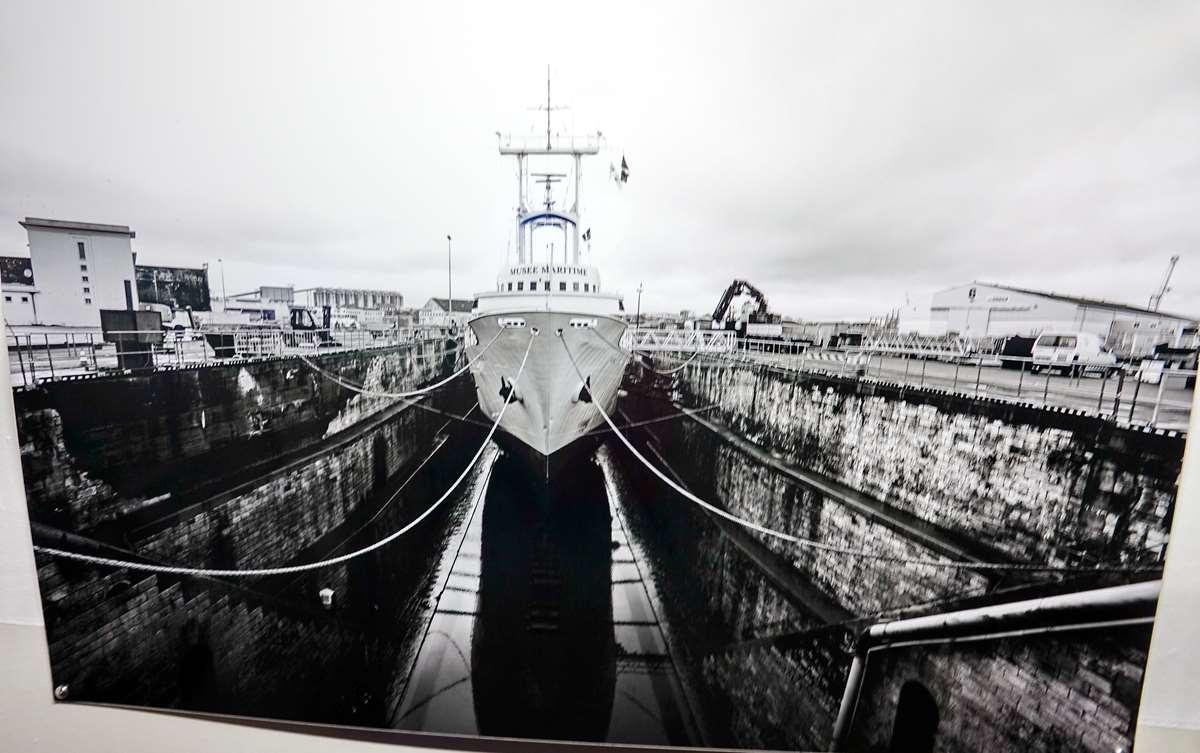 [Vie des Ports ] Port de La Rochelle  - Page 9 Dsc11127