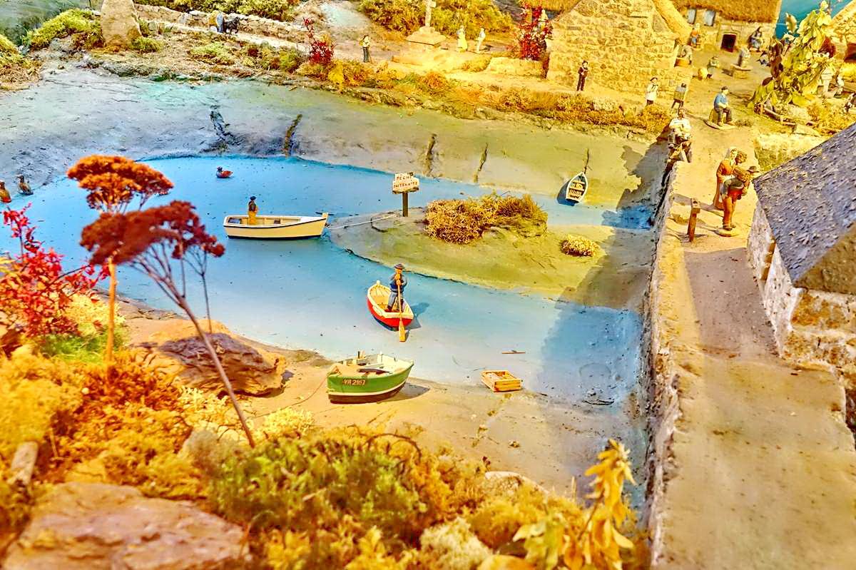 [Vie des ports] Etel d'aujourd'hui et son histoire de la pêche au thon - Page 6 Dsc11399