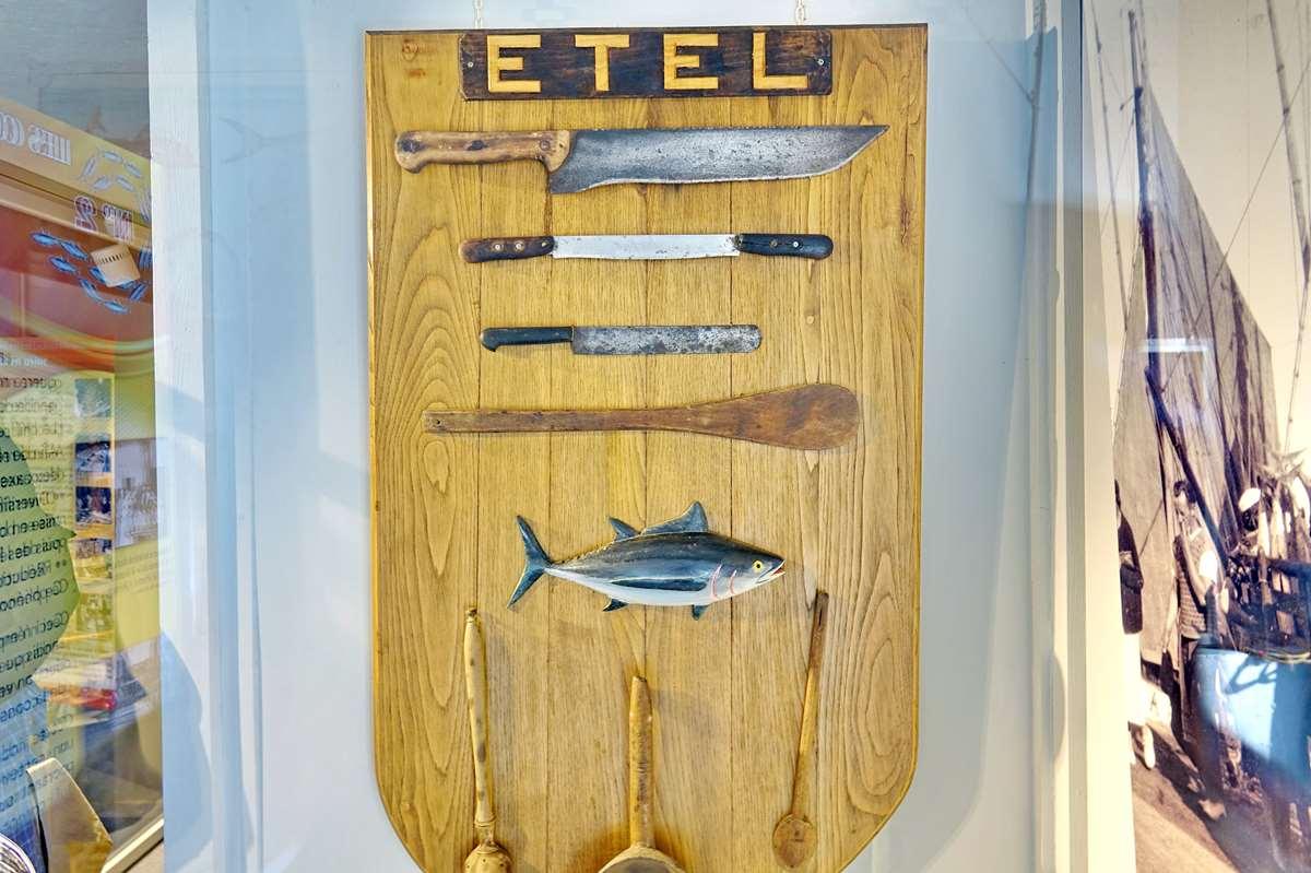 [Vie des ports] Etel d'aujourd'hui et son histoire de la pêche au thon - Page 6 Dsc11513