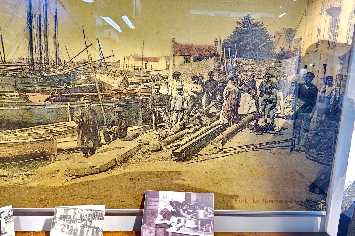 [Vie des ports] Etel d'aujourd'hui et son histoire de la pêche au thon - Page 6 Dsc11526