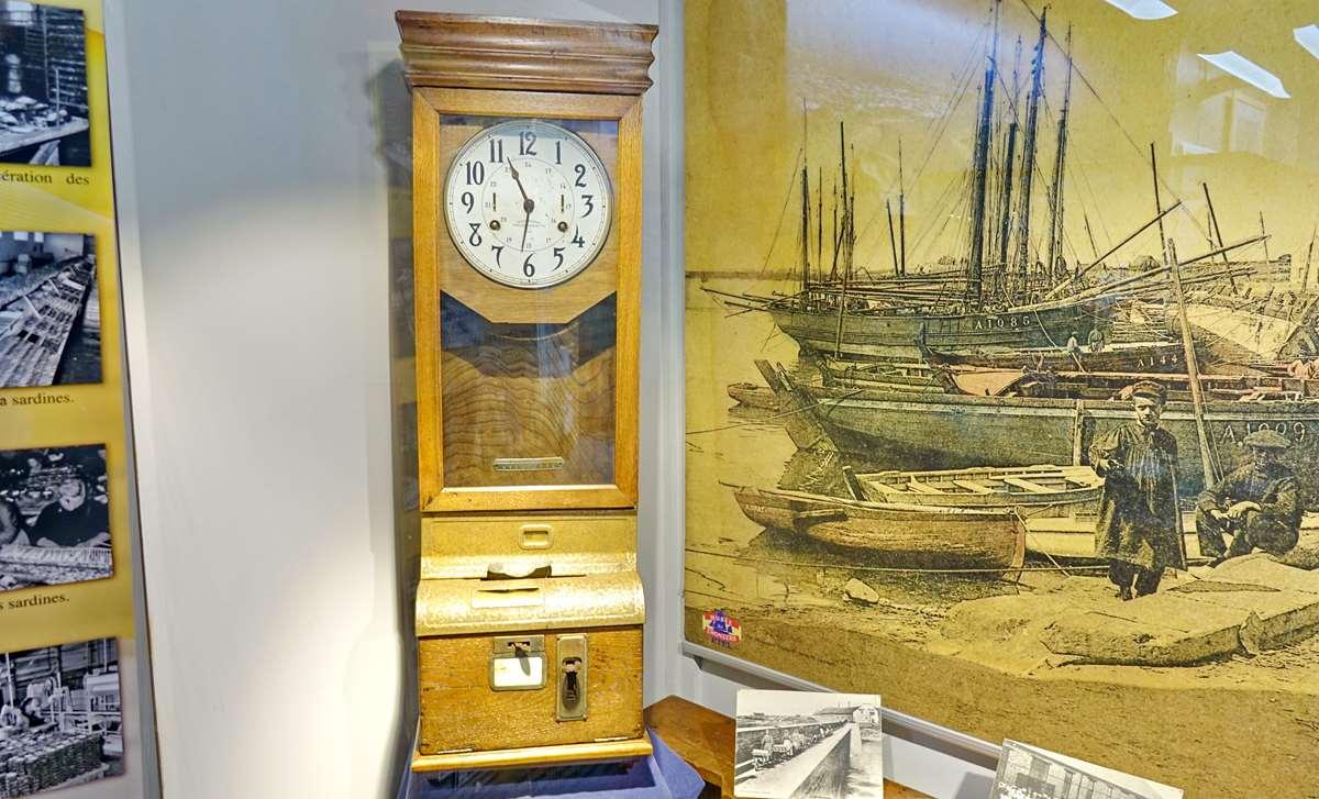 [Vie des ports] Etel d'aujourd'hui et son histoire de la pêche au thon - Page 6 Dsc11530