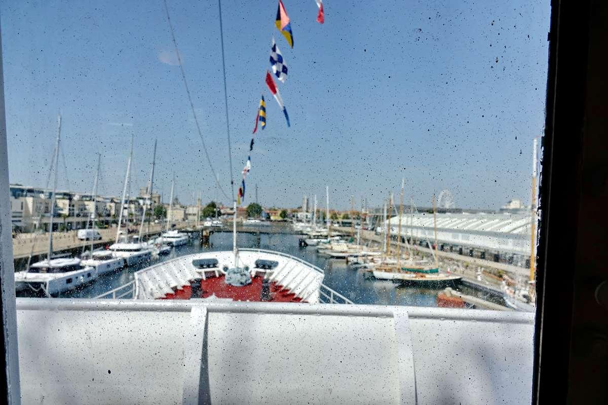 [Vie des Ports ] Port de La Rochelle  - Page 11 Dsc11544