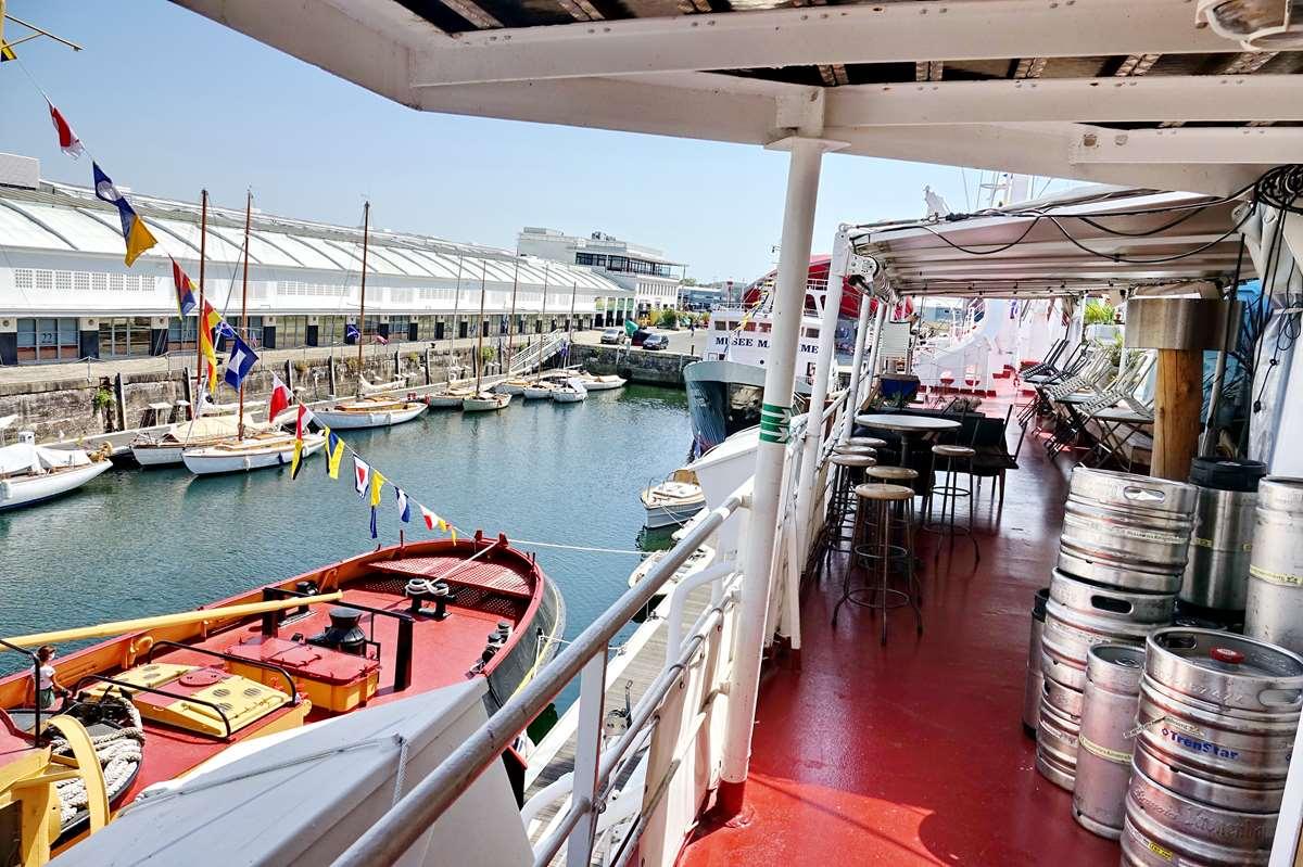 [Vie des Ports ] Port de La Rochelle  - Page 11 Dsc11630