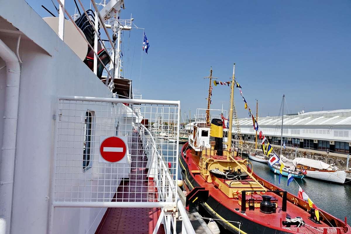 [Vie des Ports ] Port de La Rochelle  - Page 11 Dsc11637