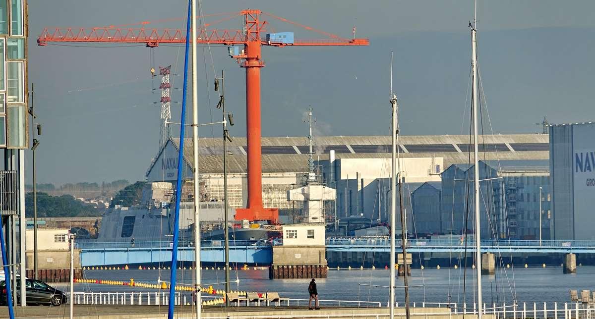 [Les ports militaires de métropole] Port de LORIENT - TOME 1 - Page 19 Dsc14770