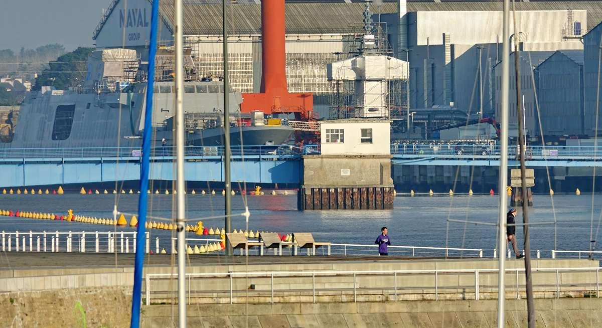 [Les ports militaires de métropole] Port de LORIENT - TOME 1 - Page 19 Dsc14772