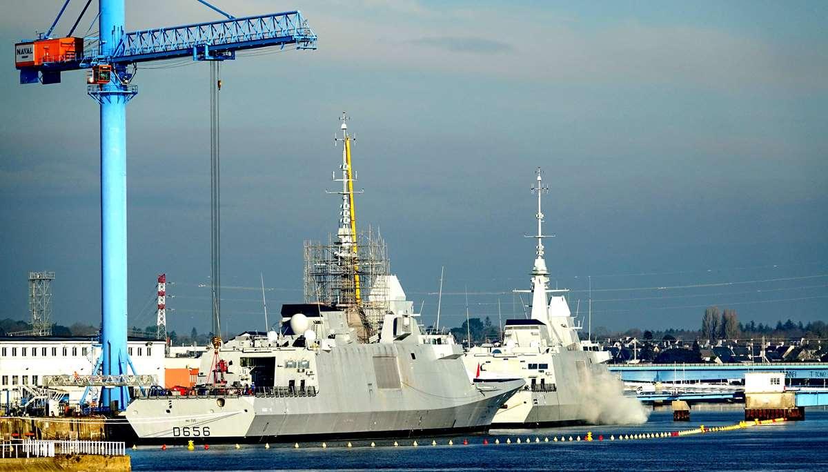 [Les ports militaires de métropole] Port de LORIENT - TOME 1 - Page 19 Dsc14775