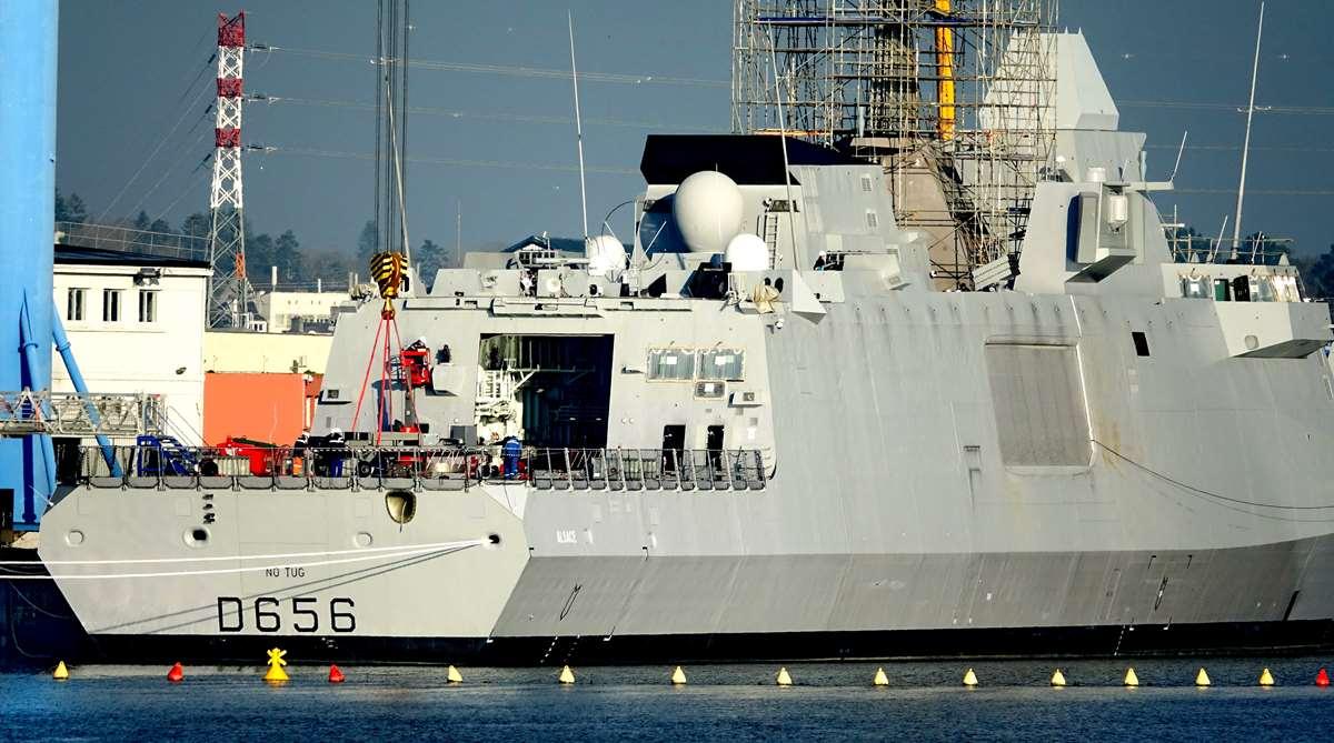 [Les ports militaires de métropole] Port de LORIENT - TOME 1 - Page 19 Dsc14776