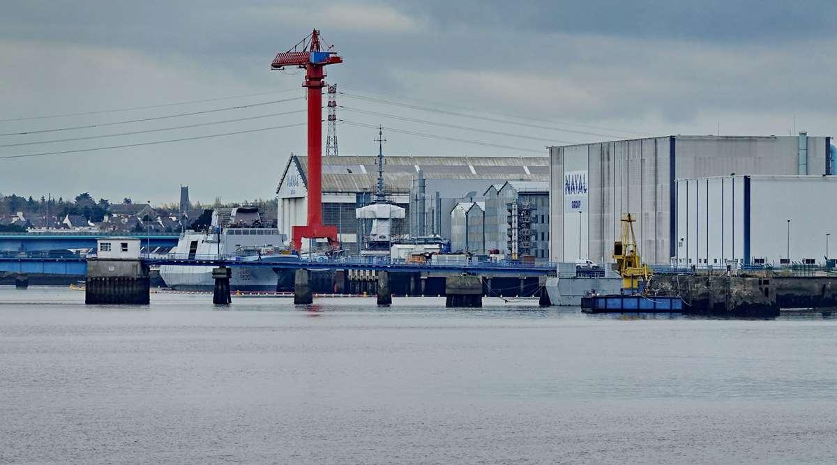 [Les ports militaires de métropole] Port de LORIENT - TOME 1 - Page 20 Dsc15046