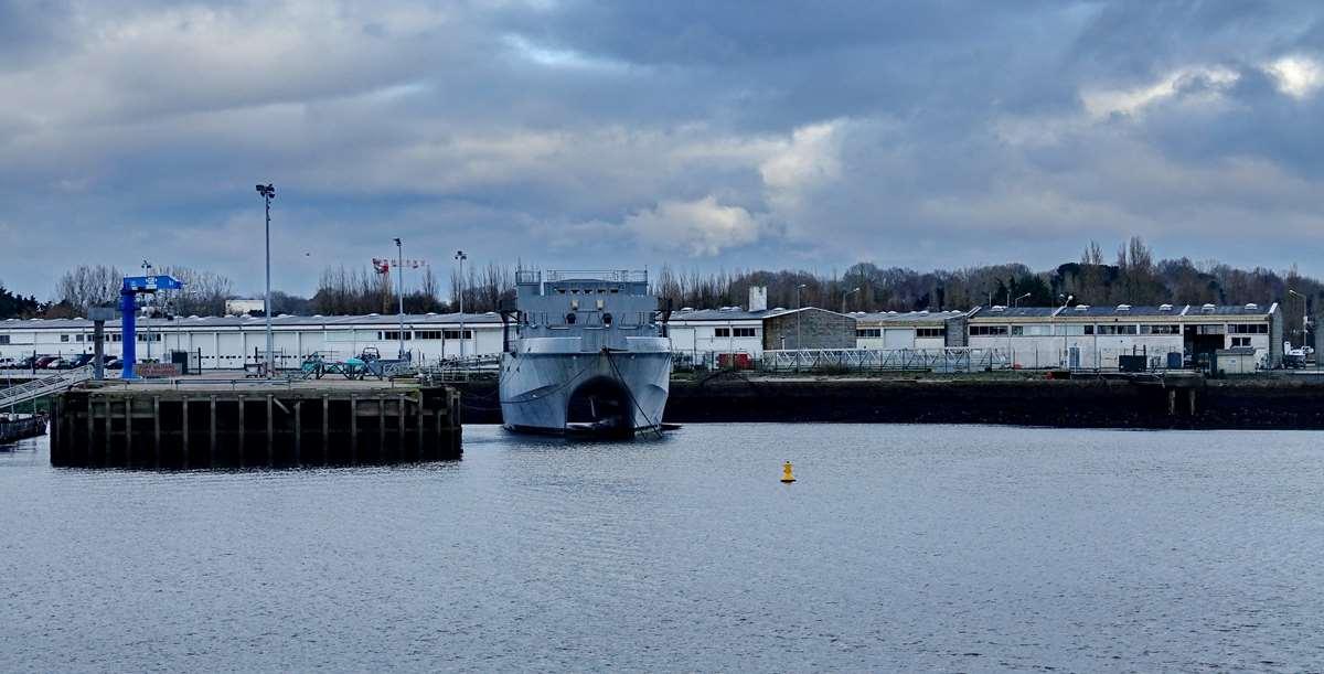 [Les ports militaires de métropole] Port de LORIENT - TOME 1 - Page 19 Dsc15047