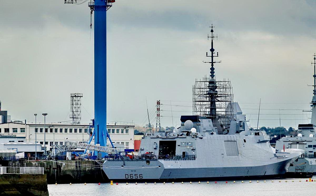 [Les ports militaires de métropole] Port de LORIENT - TOME 1 - Page 20 Dsc15050