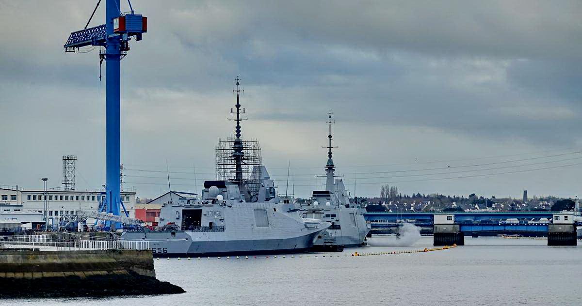 [Les ports militaires de métropole] Port de LORIENT - TOME 1 - Page 20 Dsc15299