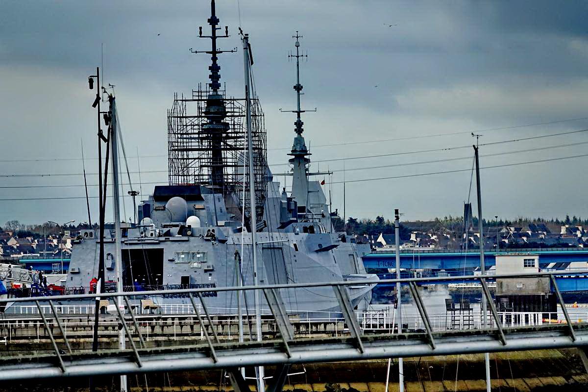 [Les ports militaires de métropole] Port de LORIENT - TOME 1 - Page 20 Dsc15300
