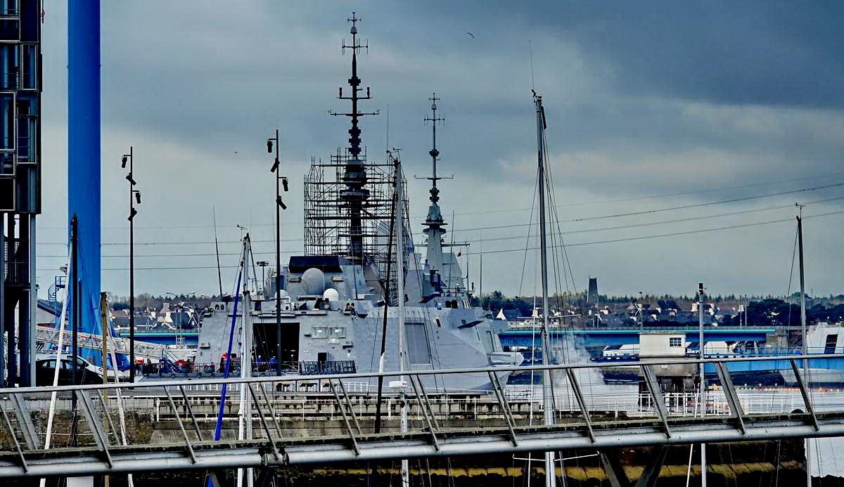 [Les ports militaires de métropole] Port de LORIENT - TOME 1 - Page 20 Dsc15303