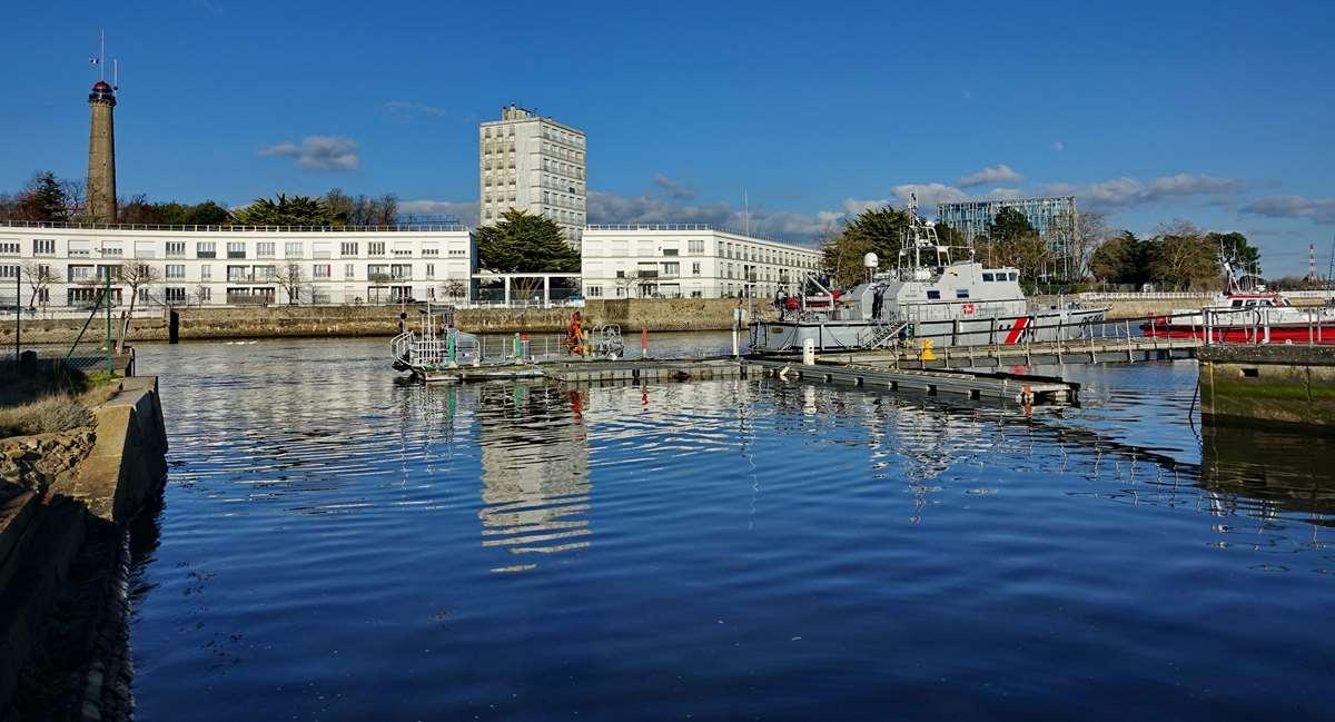 [Les ports militaires de métropole] Port de LORIENT - TOME 1 - Page 22 Dsc15610