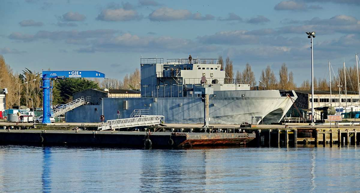[Les ports militaires de métropole] Port de LORIENT - TOME 1 - Page 22 Dsc15615