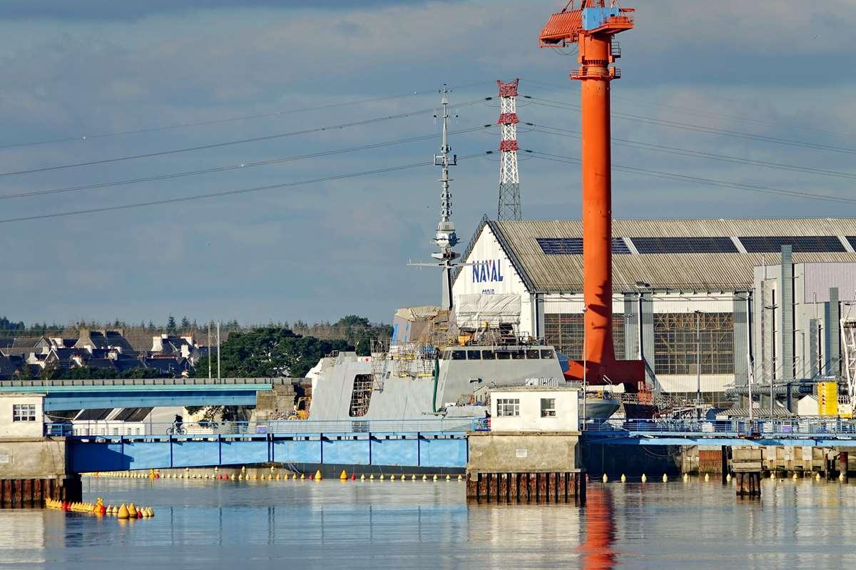 [Les ports militaires de métropole] Port de LORIENT - TOME 1 - Page 22 Dsc15729