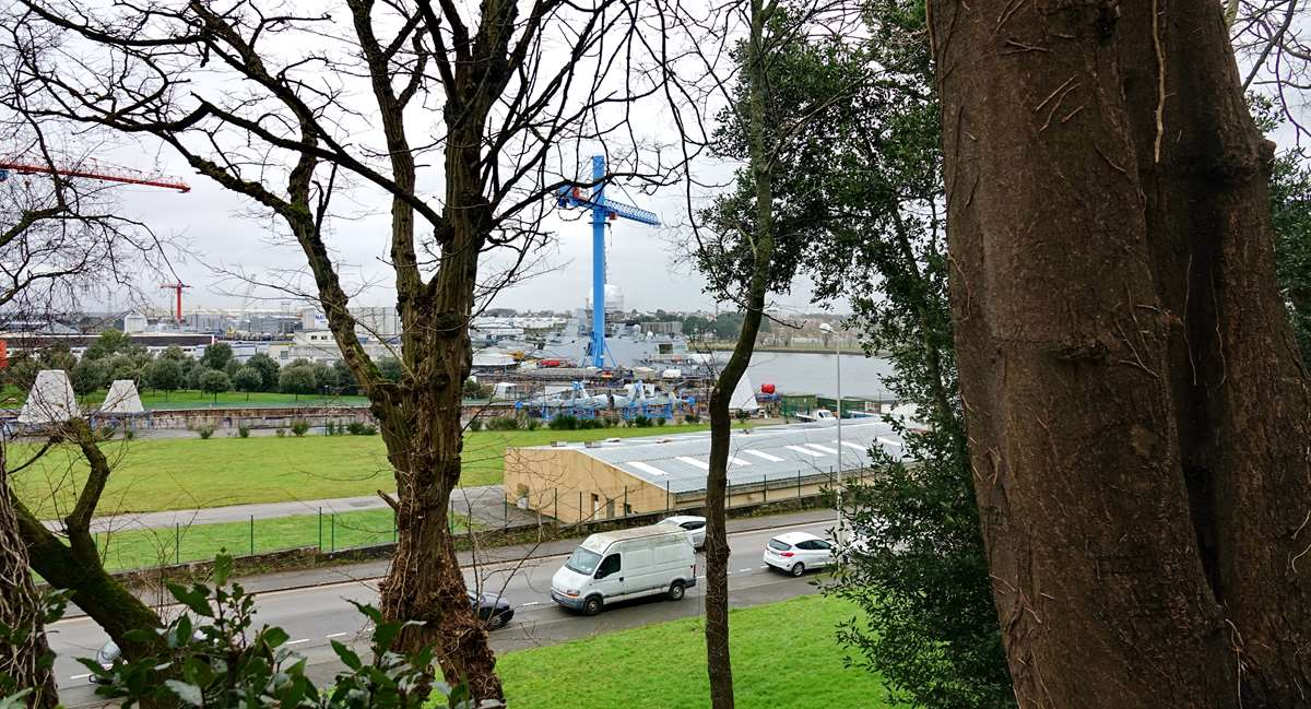 [Les ports militaires de métropole] Port de LORIENT - TOME 1 - Page 22 Dsc15907