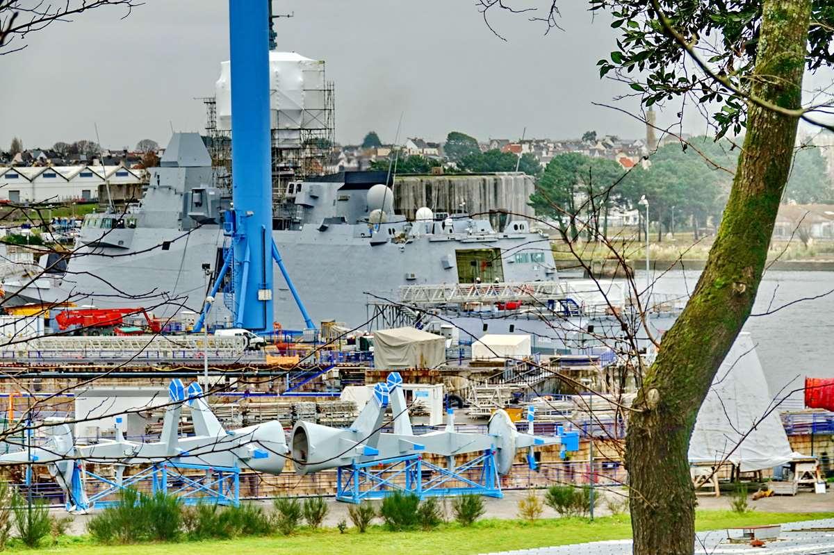 [Les ports militaires de métropole] Port de LORIENT - TOME 1 - Page 22 Dsc15909