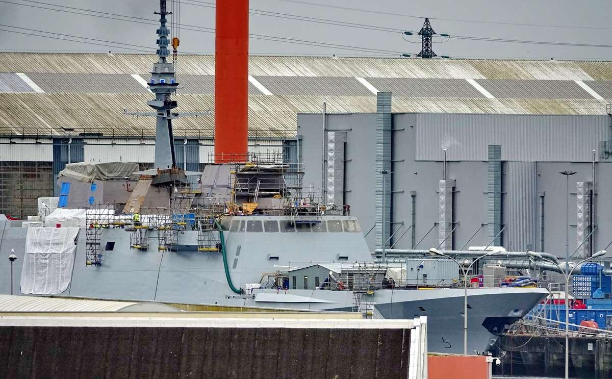 [Les ports militaires de métropole] Port de LORIENT - TOME 1 - Page 23 Dsc16045
