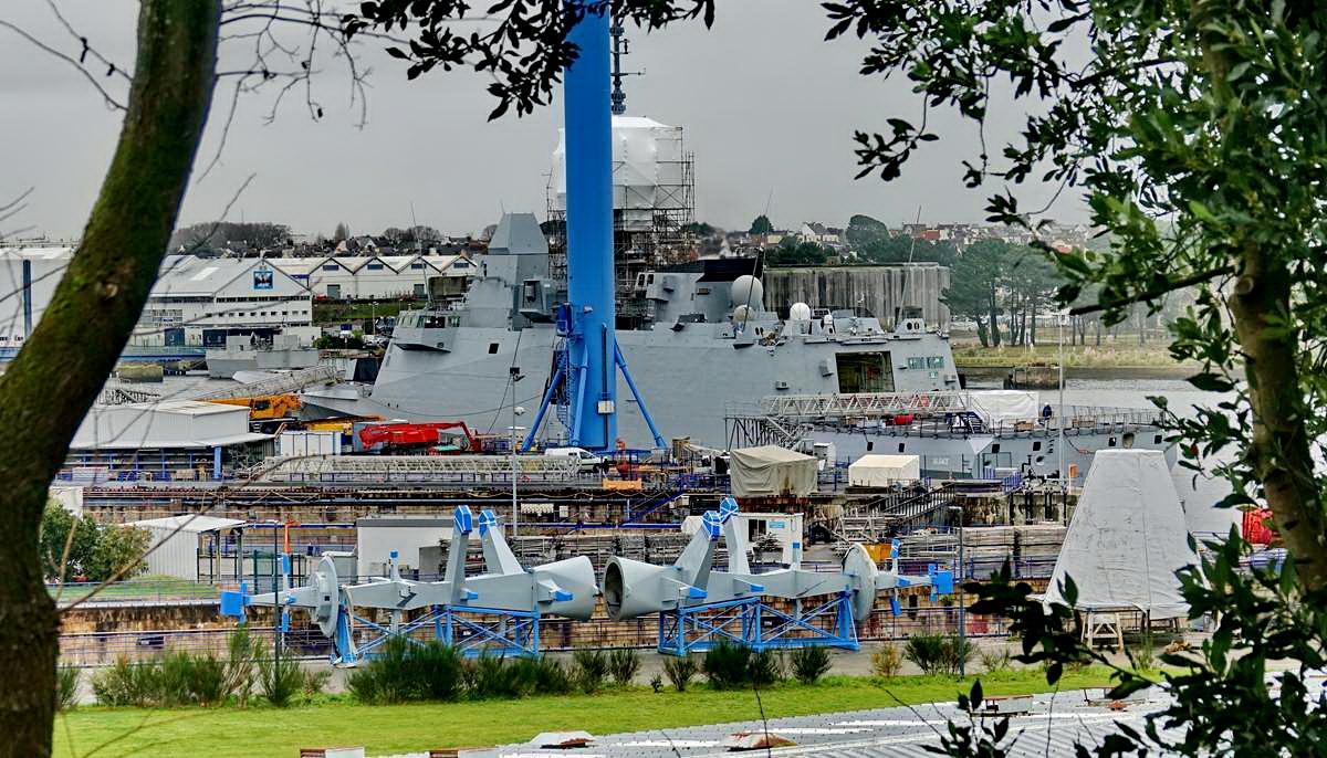[Les ports militaires de métropole] Port de LORIENT - TOME 1 - Page 23 Dsc16054