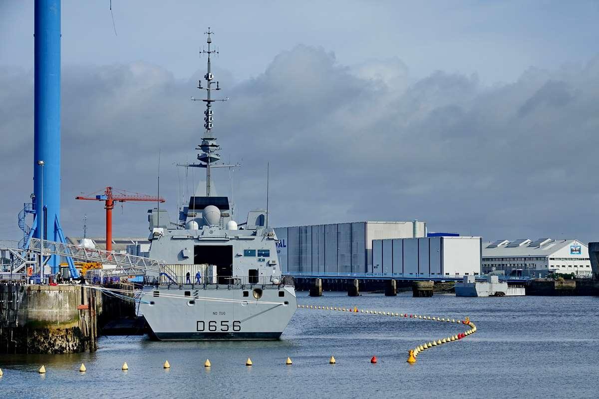 [Les ports militaires de métropole] Port de LORIENT - TOME 1 - Page 23 Dsc17481