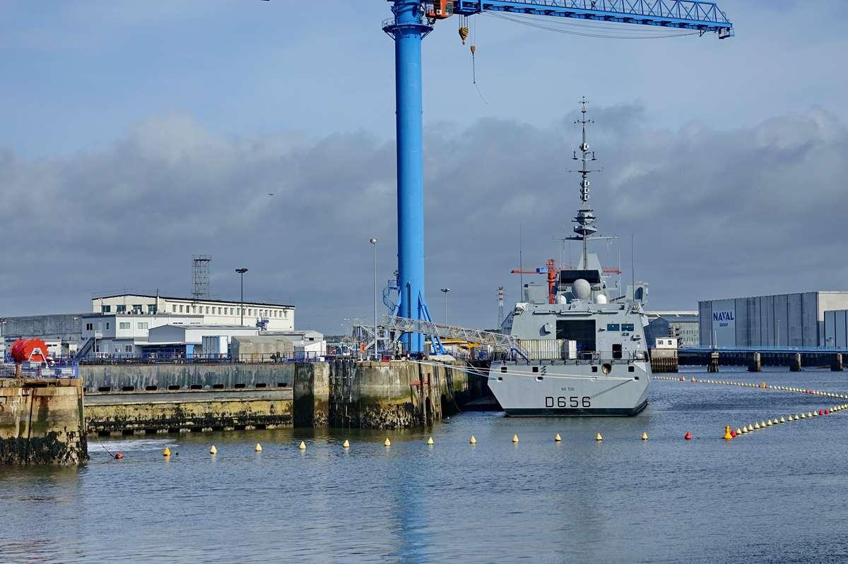 [Les ports militaires de métropole] Port de LORIENT - TOME 1 - Page 23 Dsc17486