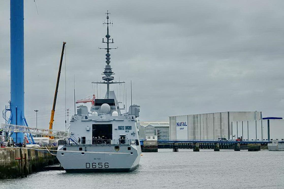 [Les ports militaires de métropole] Port de LORIENT - TOME 1 - Page 23 Dsc18241