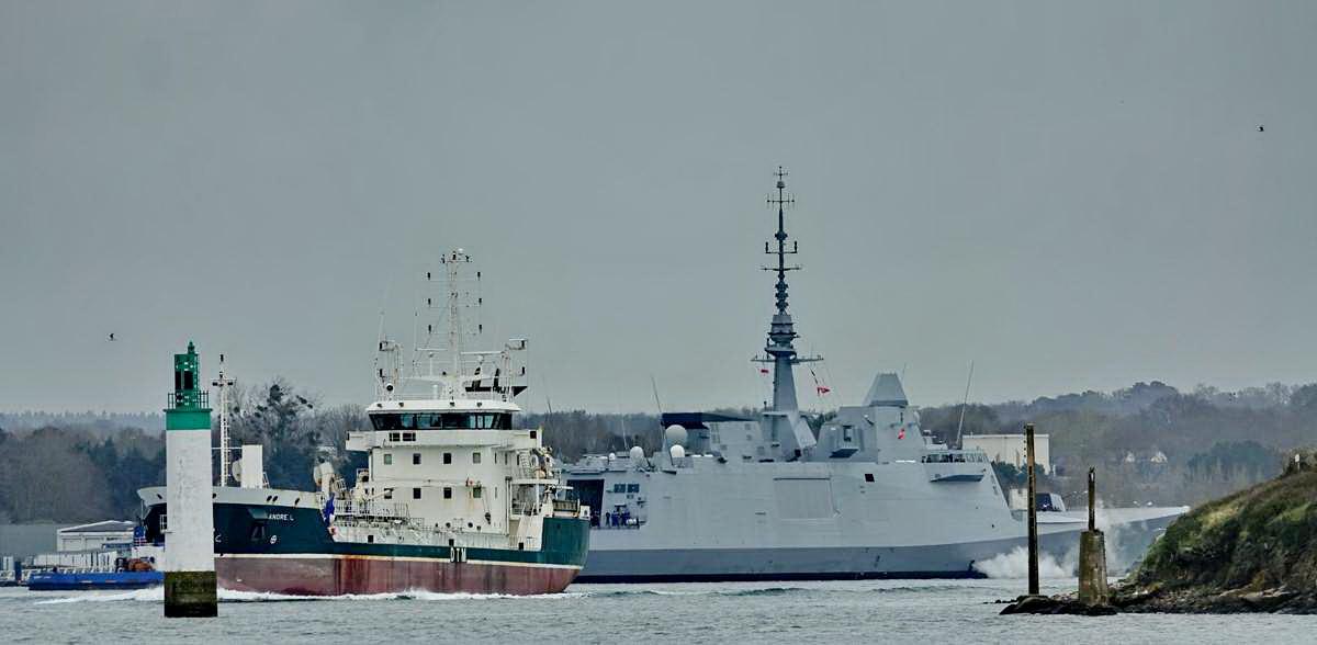 [Les ports militaires de métropole] Port de LORIENT - TOME 1 - Page 24 Dsc18285