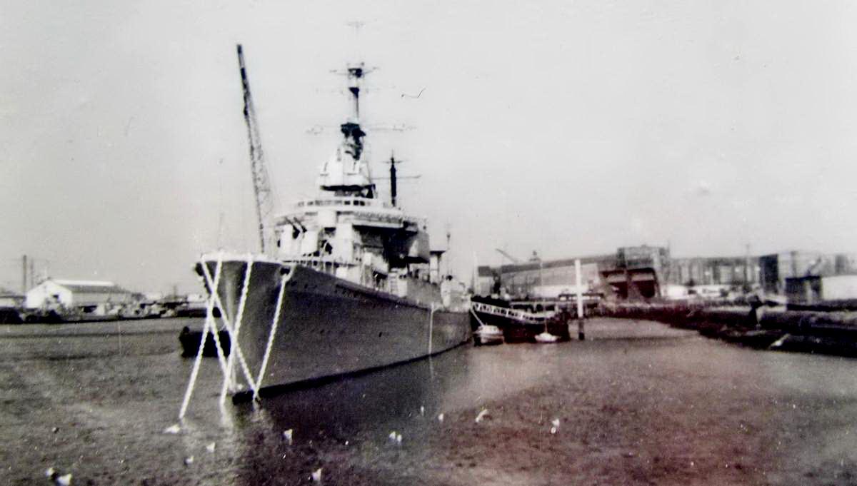 [Les ports militaires de métropole] Port de LORIENT - TOME 1 - Page 22 Fusco_29