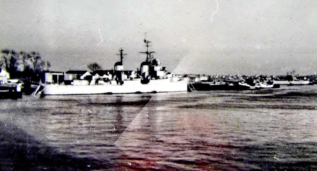 [Les ports militaires de métropole] Port de LORIENT - TOME 1 - Page 22 Fusco_31