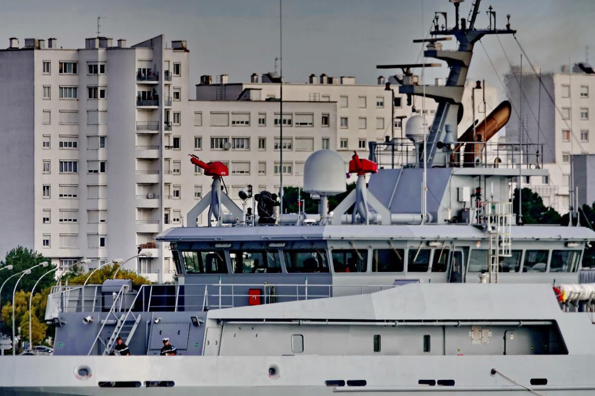 [Les ports militaires de métropole] Port de LORIENT - Page 8 Groix348