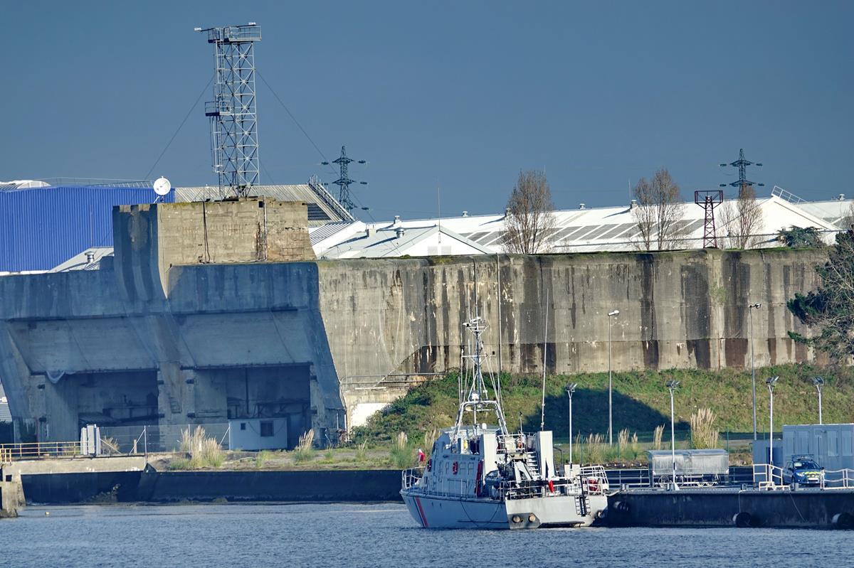 [Les ports militaires de métropole] Port de LORIENT - Page 11 Groix638