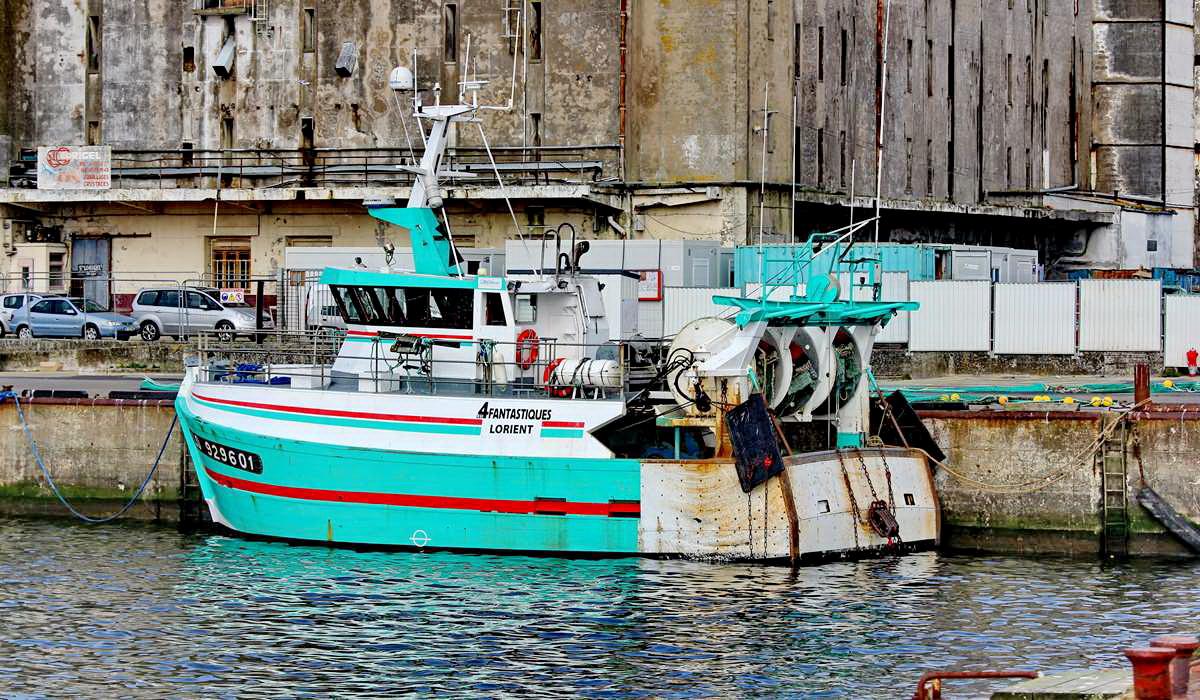 [VIE DES PORTS] Quelques bateaux de pêche (sur nos côtes Françaises) - Page 9 Img_7520