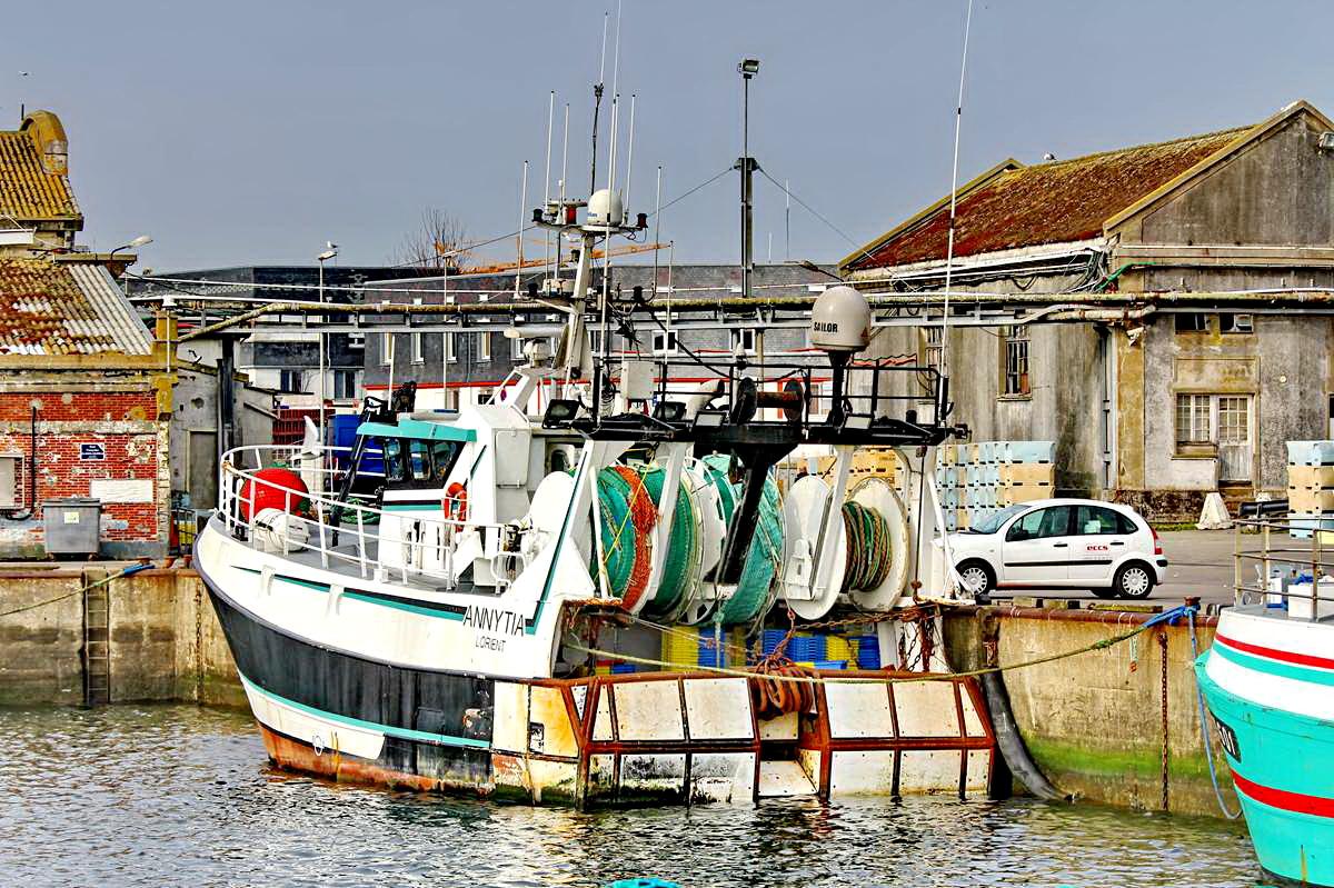[VIE DES PORTS] Quelques bateaux de pêche (sur nos côtes Françaises) - Page 9 Img_7620