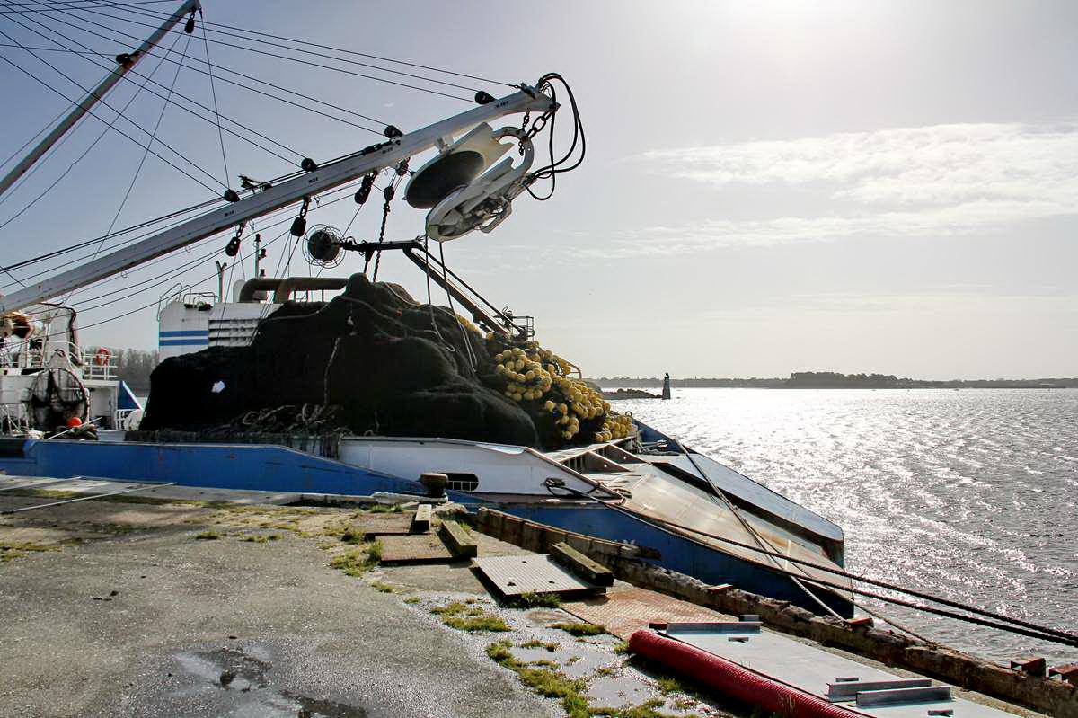 [VIE DES PORTS] Quelques bateaux de pêche (sur nos côtes Françaises) - Page 9 Img_7742