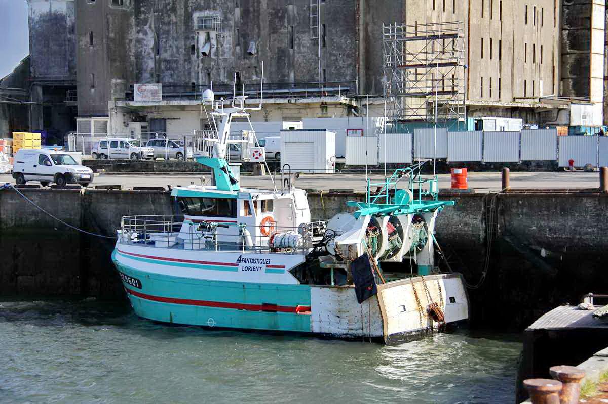 [VIE DES PORTS] Quelques bateaux de pêche (sur nos côtes Françaises) - Page 9 Img_7743