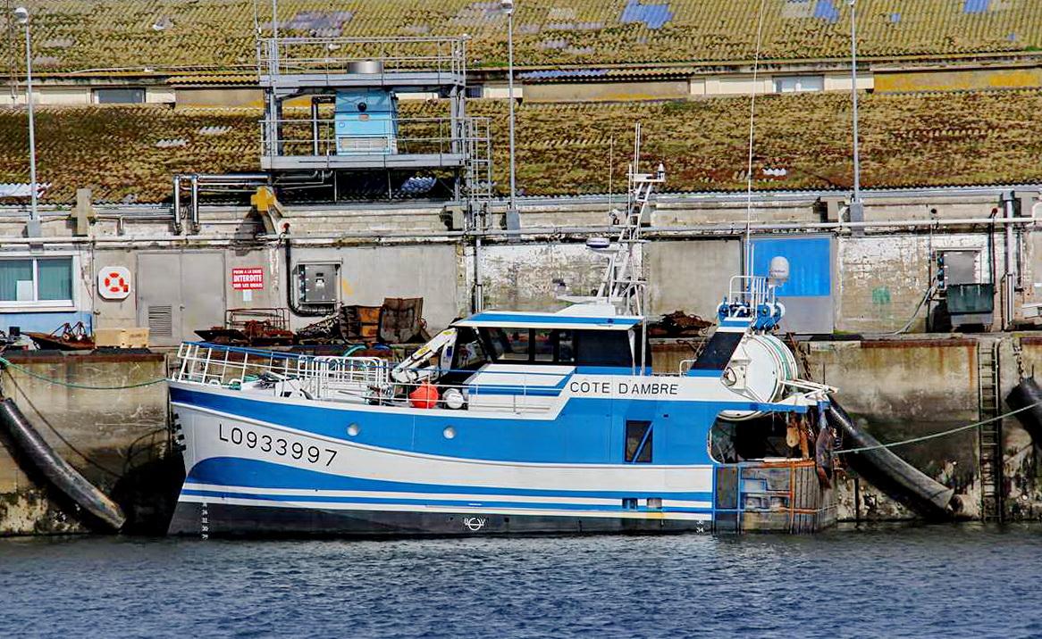 [VIE DES PORTS] Quelques bateaux de pêche (sur nos côtes Françaises) - Page 9 Img_7748