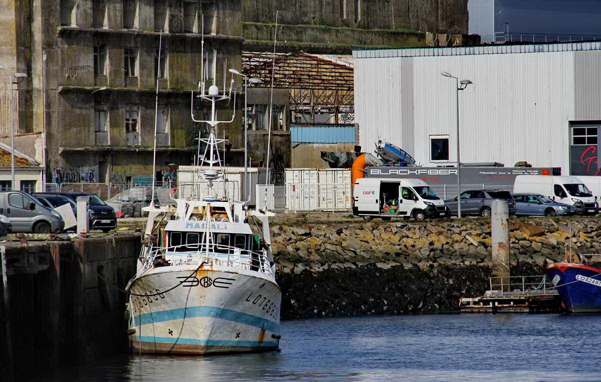 [VIE DES PORTS] Quelques bateaux de pêche (sur nos côtes Françaises) - Page 9 Img_7749