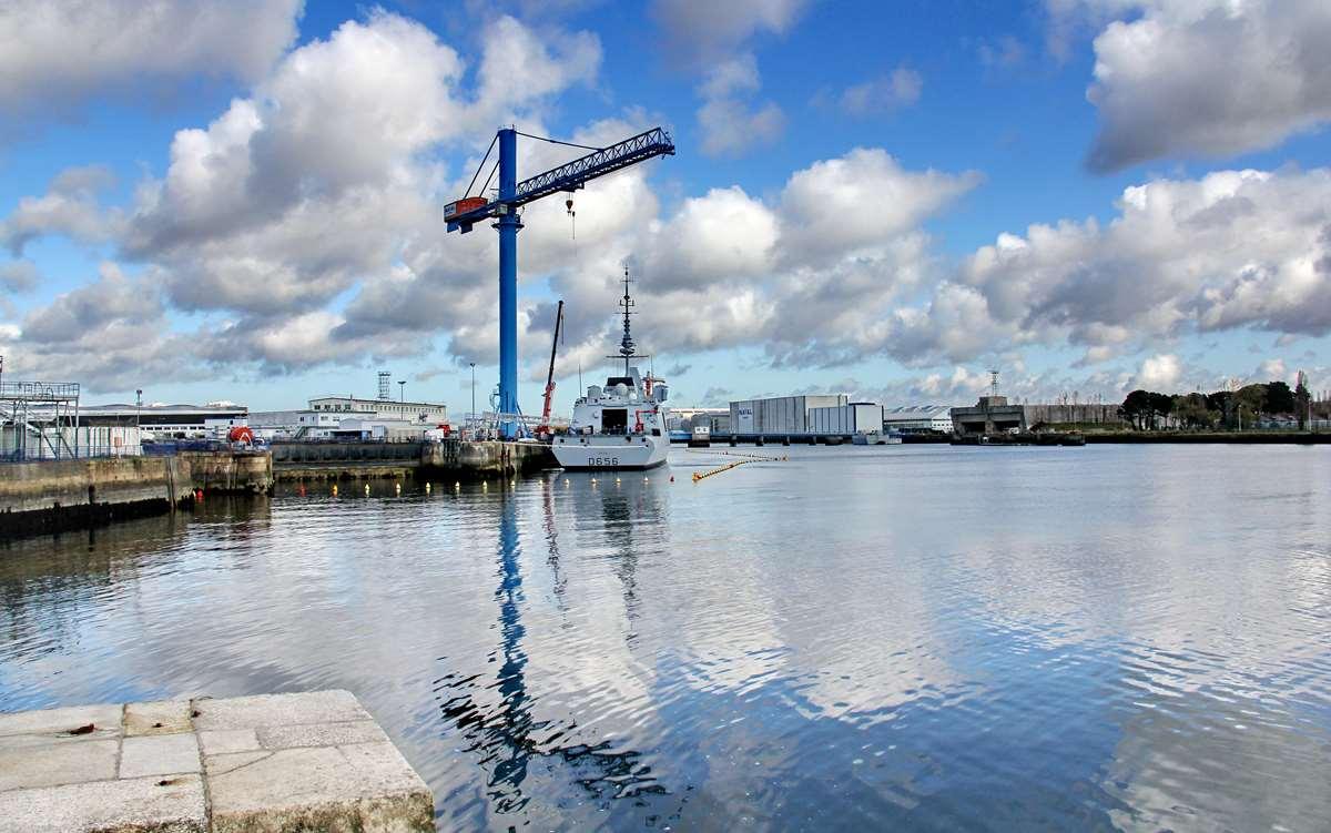 [Les ports militaires de métropole] Port de LORIENT - TOME 1 - Page 23 Img_7910