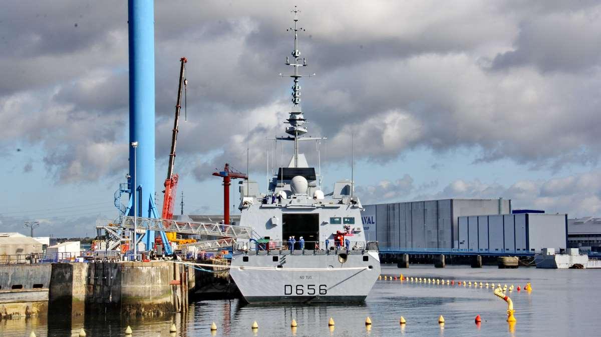 [Les ports militaires de métropole] Port de LORIENT - TOME 1 - Page 23 Img_7911